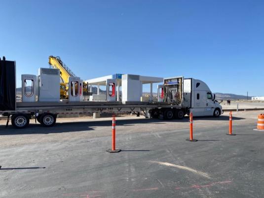 auto elektromobily Tesla nabíjecí stanice Supercharger