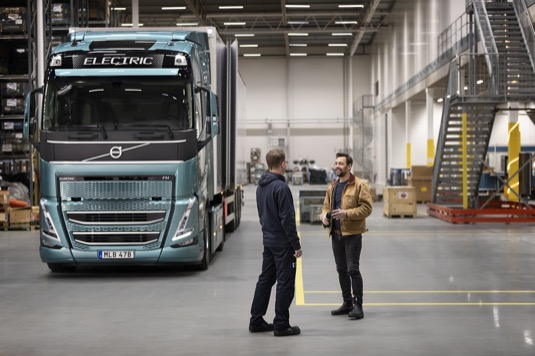 Elektrické tahače Volvo Trucks mají našlápnuto do budoucnosti