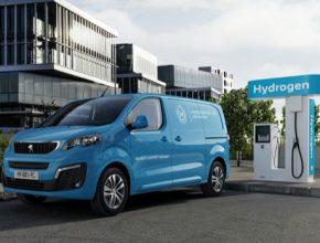 Nový Peugeot e-Expert Hydrogen je prvním sériově vyráběným vozem značky Peugeot, který nabízí elektrickou verzi s vodíkovými palivovými články.