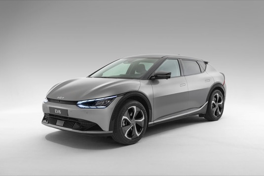 Elektrický crossover EV6, který oslavil světovou premiéru na konci března, se může chlubit dojezdem až 510 km.