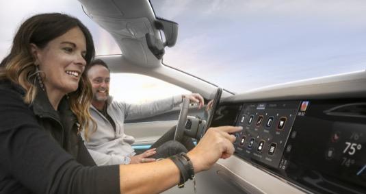 Mobile Drive díky investicím společností Foxconn a Stellantis urychlí uvedení nejpokročilejších palubních technologií a sítově propojených automobilů na trh.
