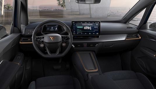 Technologie Side Assist a Exit Assist vyplňují mezery vytvářené slepými úhly a řidiče vizuálně a zvukově upozorňují na překážky skryté jeho zraku. Upozorňování na nebezpečí při vystupování (Exit Warning) akusticky upozorní na osoby nebo vozidla, které se přibližují k zaparkovanému vozu CUPRA Born, když jeho cestující chtějí vystupovat.