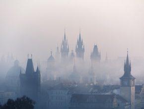 Praha do budoucna sází na udržitelnou energetiku, úsporné budovy, obnovitelné zdroje a udržitelnou mobilitu.