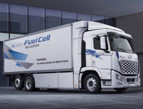 Nákladní Hyundai XCIENT Fuel Cell 2021 přichází s odvážným designem masky chladiče a vylepšenými provozními vlastnostmi