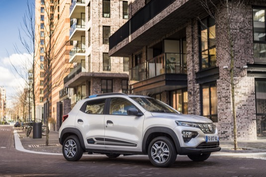 Dacia Spring: nový elektromobil za nejdostupnější cenu v České republice.