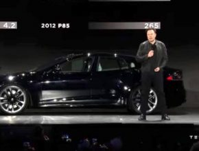 Těsně před finálním odhalením Tesla Model S Plaid automobilk oznámila, že ruší plánovanou verzi Plaid+ s delším dojezdem, a zároveň zvyšuje cenu Plaid o $10 000.