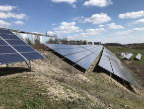 Ačkoliv byl v předregistračních výzvách největší zájem o instalaci střešních solárních panelů, Ministerstvo životního prostředí včera některé skupiny zájemců z žádostí o podporu vyřadilo.