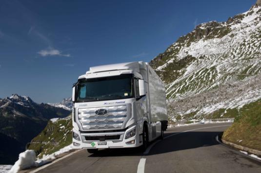 Vodíkové náklaďáky Hyundai už ve Švýcarsku najely přes milion kilometrů