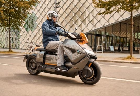 Elektrický skútr BMW CE 04