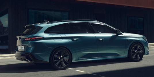 Nový Peugeot 308 SW dorazí na český trh na začátku roku 2022. Nabídne objem zavazadelníku od 608 až po 1634 l (při plně sklopené zadní lavici).