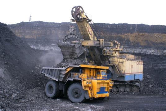 V Austrálii předpovídají, že tamní uhelné elektrárny sníží kvůli rostoucí konkurenci OZE během příštích 7 let spotřebu uhlí až o jednu čtvrtinu. Stejným podílem se má snížit i výroba v elektrárnách na zemní plyn. To bude mít deflační dopad na velkoobchodní ceny elektřiny, což ještě více sníží ziskovost stávajících uhelných elektráren. Uhlí tak bude čelit dvojnásobnému tlaku - snižování produkce i ceny.