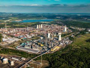 Skupina ORLEN Unipetrol předpokládá, že objem fosilní složky v prodaných produktech klesne z pěti milionů tun za rok na 4,4 milionů tun ročně. Objem pokročilých biopaliv dosáhne 0,2 milionů tun ročně. Půjde o paliva vyrobená na principech cirkulární ekonomiky zpracováním odpadních plastů nebo odpadů organického původu.