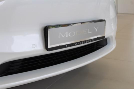 Tesla Model Y elektromobil