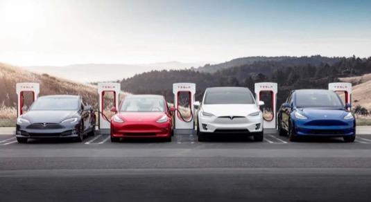 auto elektromobily Tesla Model 3, Model Y, Model Sa Model X
