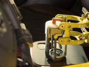 auto Ford roboti testování aut