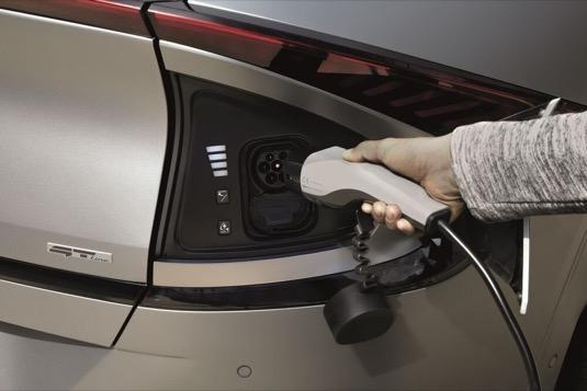 Nabíjecí port elektromobilu Kia EV6