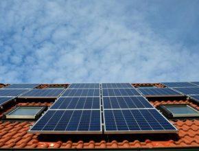 solární elektrárna na střeše střešní
