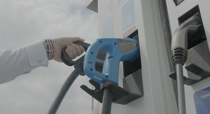 konektor nabíjecí stanice pro elektromobily MOL