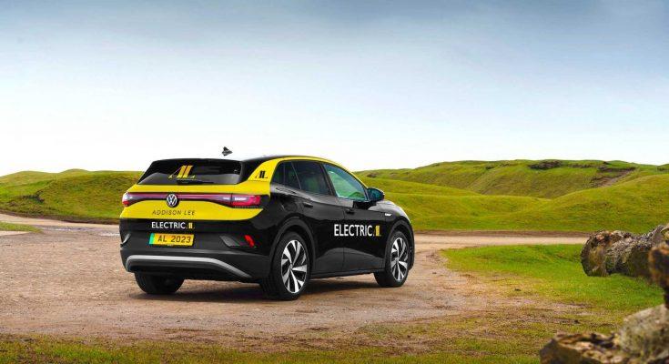 Elektromobil Volkswagen ID.4 poslouží nově jako vůz taxi britské londýnské společnosti Addisson Lee. foto: Addison Lee