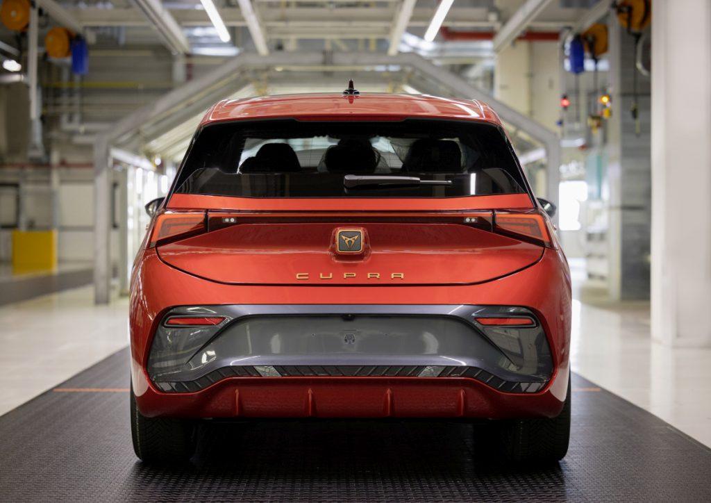 Elektromobil Cupra Born je španělskou variací na Volkswagen ID.3. foto: Oliver Killig/Cupra