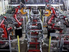 Výroba elektromobilu Tesla Model Y v nově továrně Gigafactory Texas v Austinu. foto: Tesla
