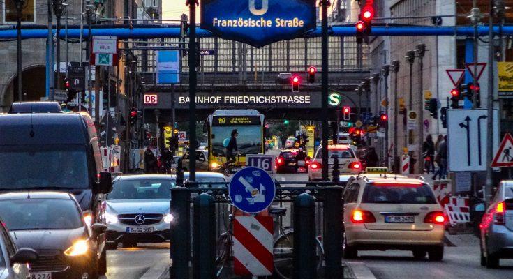 V Berlíně by se mohlo schylovat k dalšímu zemětřesení. Tentokrát tam chtějí zakazovat soukromá auta! foto: nick_photoarchive, licence Pixabay