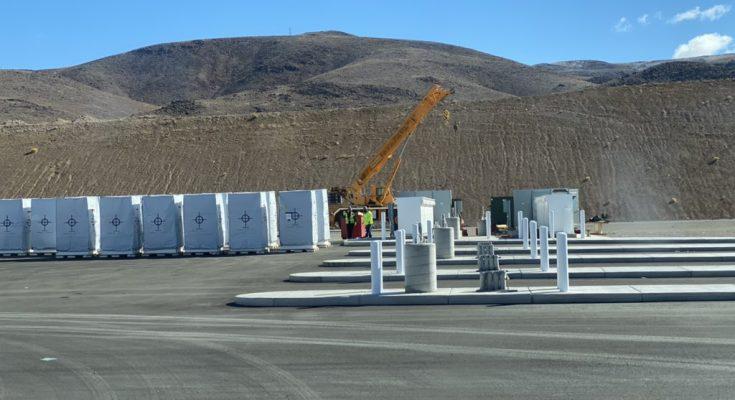 Tesla bude prvním uživatelem elektrotahačů Tesla Semi. Využije je pro dopravu mezi svými továrnami. foto: Sawyer Meritt